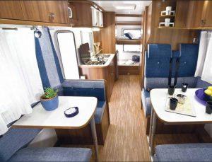 noleggio-camper-5-7-posti-extra-comfort-caravan-nehmo-interni1