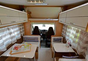 noleggio-camper-5-7-posti-extra-comfort-caravan-nehmo-interni13