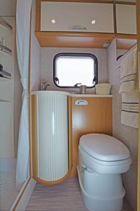 seal 9-7-posti-extra-comfort-casaletto-cosenza-camper-noleggio